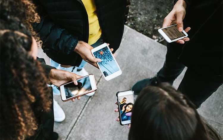 Cara meningkatkan follower Instagram dengan kerjasama dengan akun Instagram lain