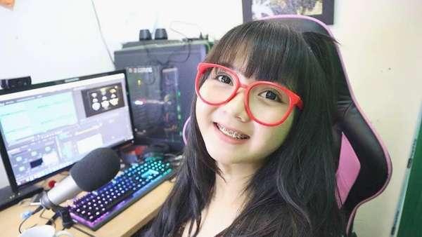 8 gamer cantik Indonesia Cantik dan Seksi