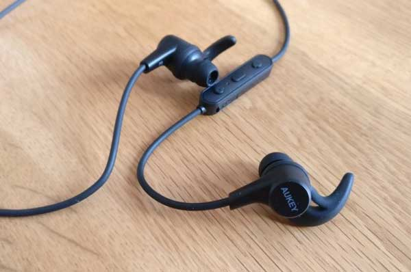 15 Earphone Bluetooth Murah Terbaik 2020